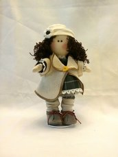 Bambola di stoffa da collezione