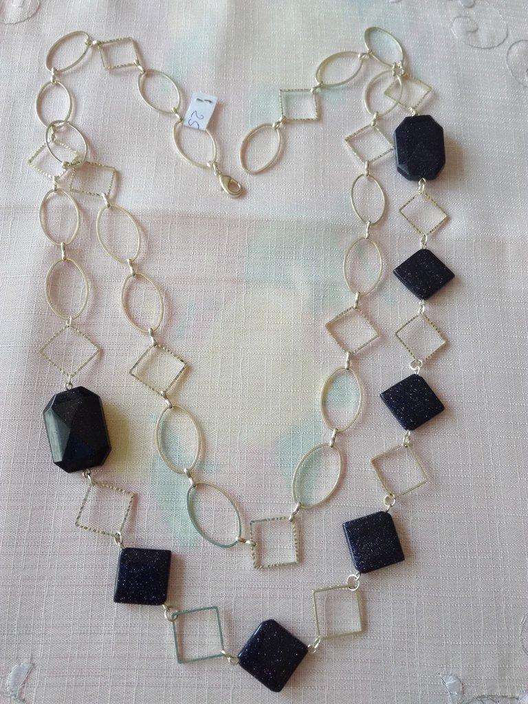 collana lunga a 2 giri con catena colore argento e pietre dure ,,, pietra della luna,,,