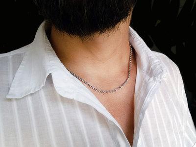 Collana uomo in corda acciaio intrecciata, collana minimalista sottile in acciaio. Regali per lui