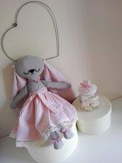 coniglietta  di stoffa, bambola di stoffa, pupazzo fatto a mano