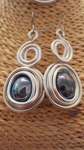 Orecchini in alluminio e perla in ceramica greca artigianali (monachelle in acciaio)