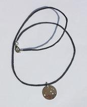 Collana con pendente costellazione Leone e cordoncino grigio scuro