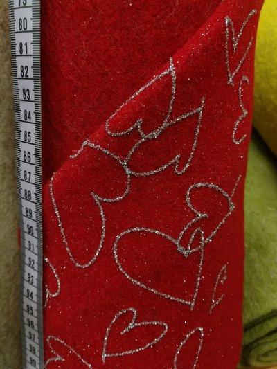 feltro di lana 50x75 da 2mm con cuori glitterati, color rosso