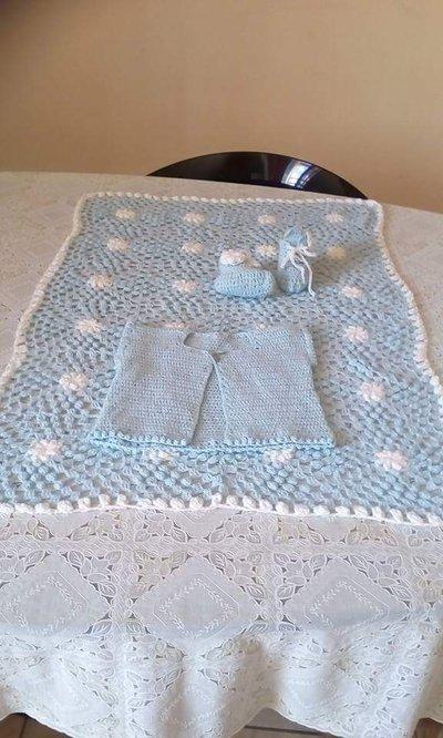 Completino neonato fatto a mano