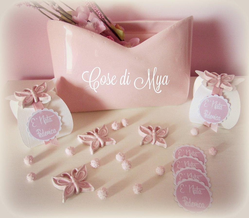 Scatolina in cartoncino pregiato, decorata con farfallina in ceramica, 100% handmade
