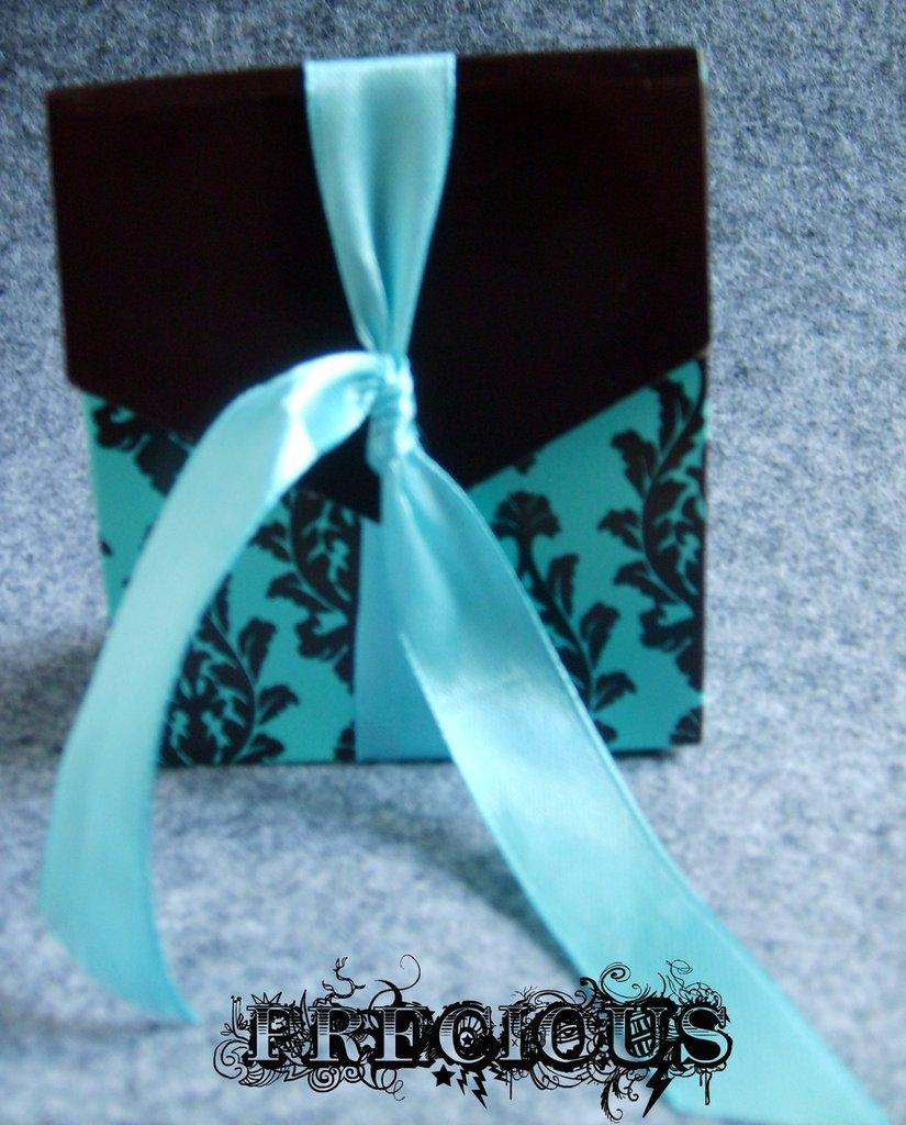 Scatolina regalo turchese in cartoncino