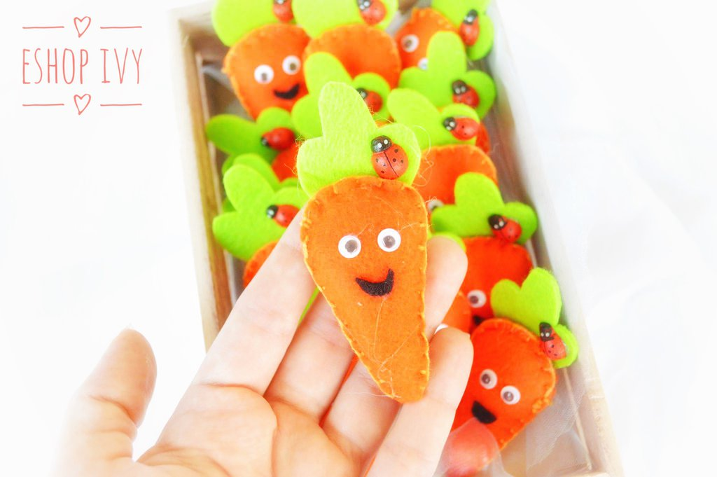 Bomboniere calamita gadget fine festa a forma di carota carotina personalizzati bimbo bimba