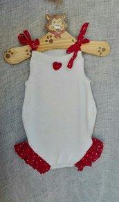 Pagliaccetto in cotone bianco con volants rossi a pois bianchi