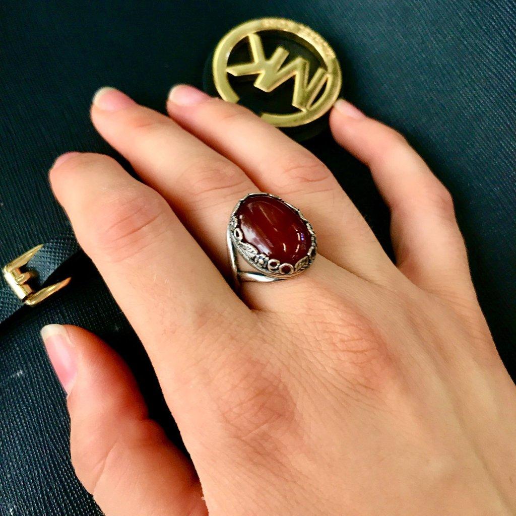 Anello Cabochon Ovale - Rosso Agata