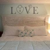 Adesivo murale LOVE con lucchetto