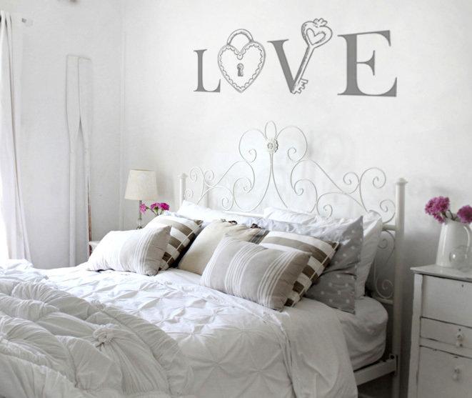 Adesivo murale LOVE con lucchetto formato XXL