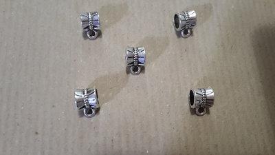 5 Charms foro largo porta ciondolo in argento tibetano