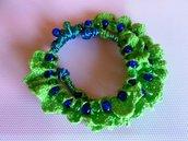 bracciale pizzo verde e filo metallico verde e blu con perline