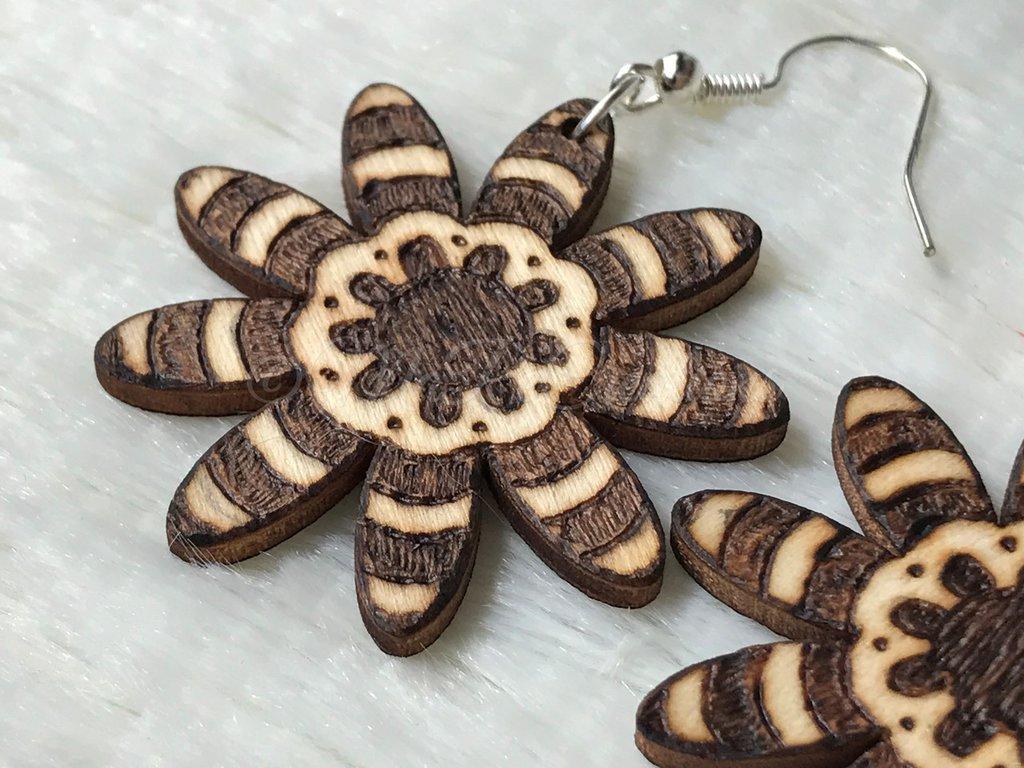 Orecchini in legno Fiore