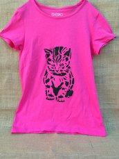 T-shirt da bambina dipinto a mano !