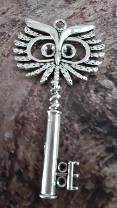 1 Ciondolo grande 'Chiave Gufo' in argento tibetano