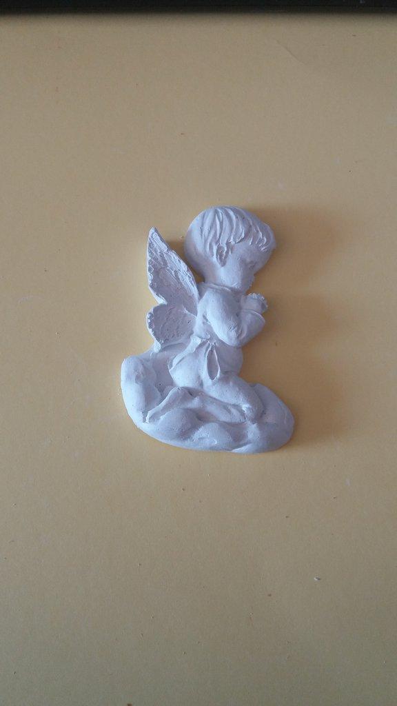 Bomboniera Bimbo angioletto che prega in gesso ceramico fai da te