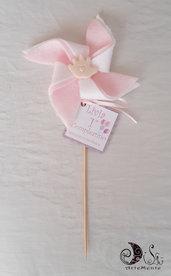 Bomboniera primo compleanno girandola per bimba con manine, etichetta tag personalizzata e nastri