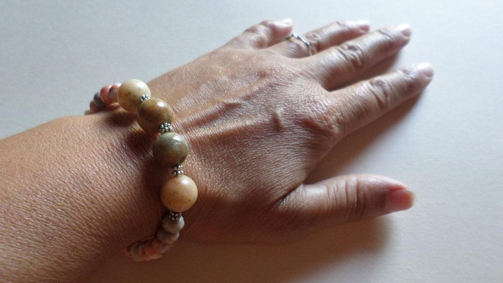 bracciale donna pietre corallo fossile handmade jewellery