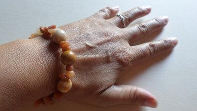 bracciale donna pietra corallo fossile e corniola