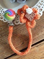 Porta-ciuccio arancio in cotone bio lavorato a tricotin