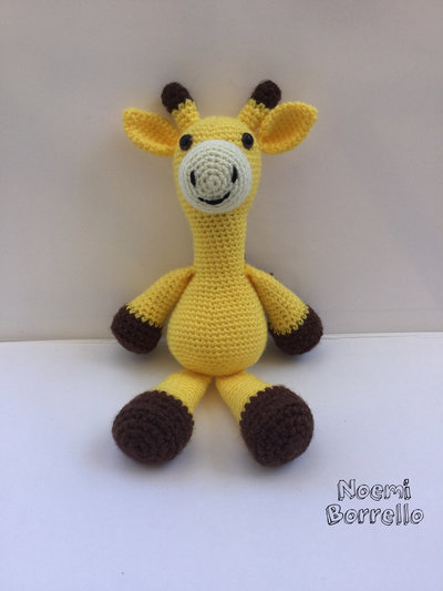 Giraffa amigurumi realizzata a mano