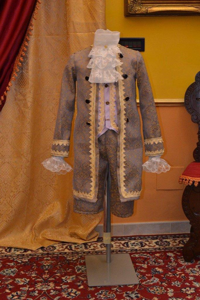 Abito d'epoca costume bambino 1700