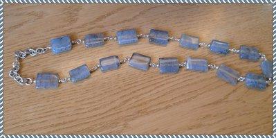 Collana perle quadrate grigio con venature