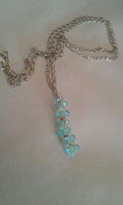 Collana lunga con intreccio di cristalli bicono azzurri