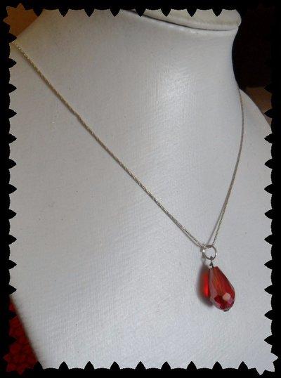 Collana catena cobra con ciondolo goccia rosso