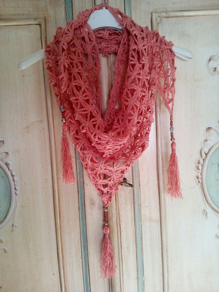 baktus scialle triangolare all'uncinetto in cotone e lurex con nappine e perline