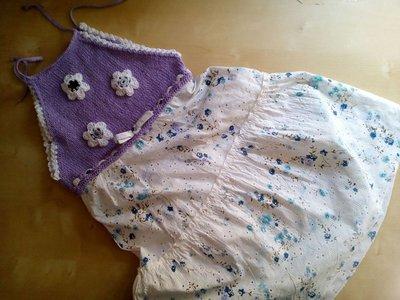 abito prendisole bambina con top e fiori all'uncinetto