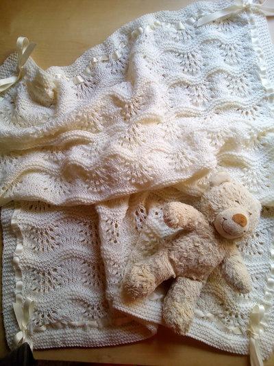 copertina neonato pura lana panna avorio fatta a mano per culla e carrozzina- battesimo regalo nascita