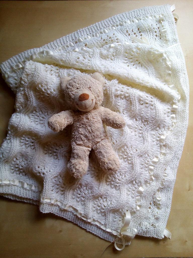 copertina neonato fatta a mano lana per culla e carrozzina- battesimo regalo nascita
