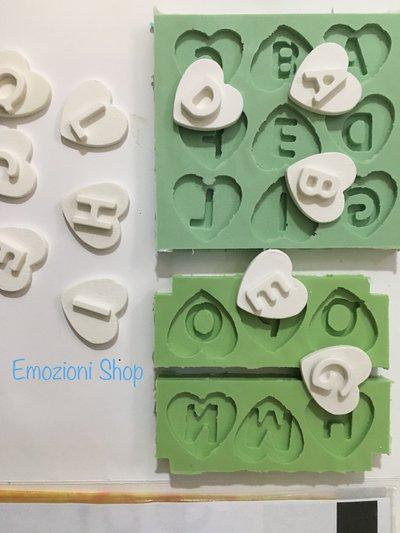 Stampo alfabeto cuore con lettera