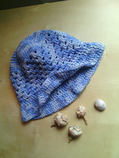 cappello all'uncinetto per bambina in cotone