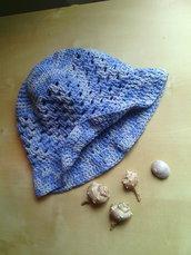 cappello all'uncinetto per bambina in cotone