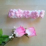fascia per capelli neonata all'uncinetto con fiorellini e perline
