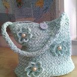 Borsa a uncinetto in fettuccia lucida verde acqua elegante sacca a spalla fiori e perle