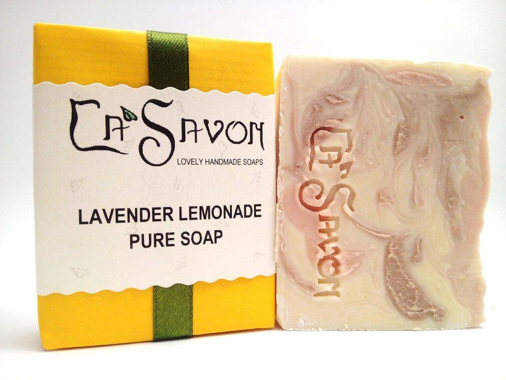 Sapone naturale con latte di capra e oli essenziali di lavanda, litsea cubeba e patchouli, fatto a mano