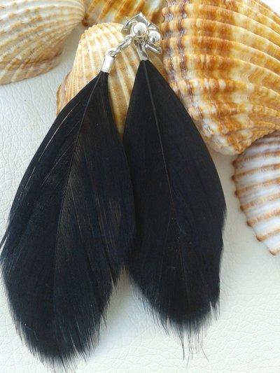 Orecchini pendenti con piume