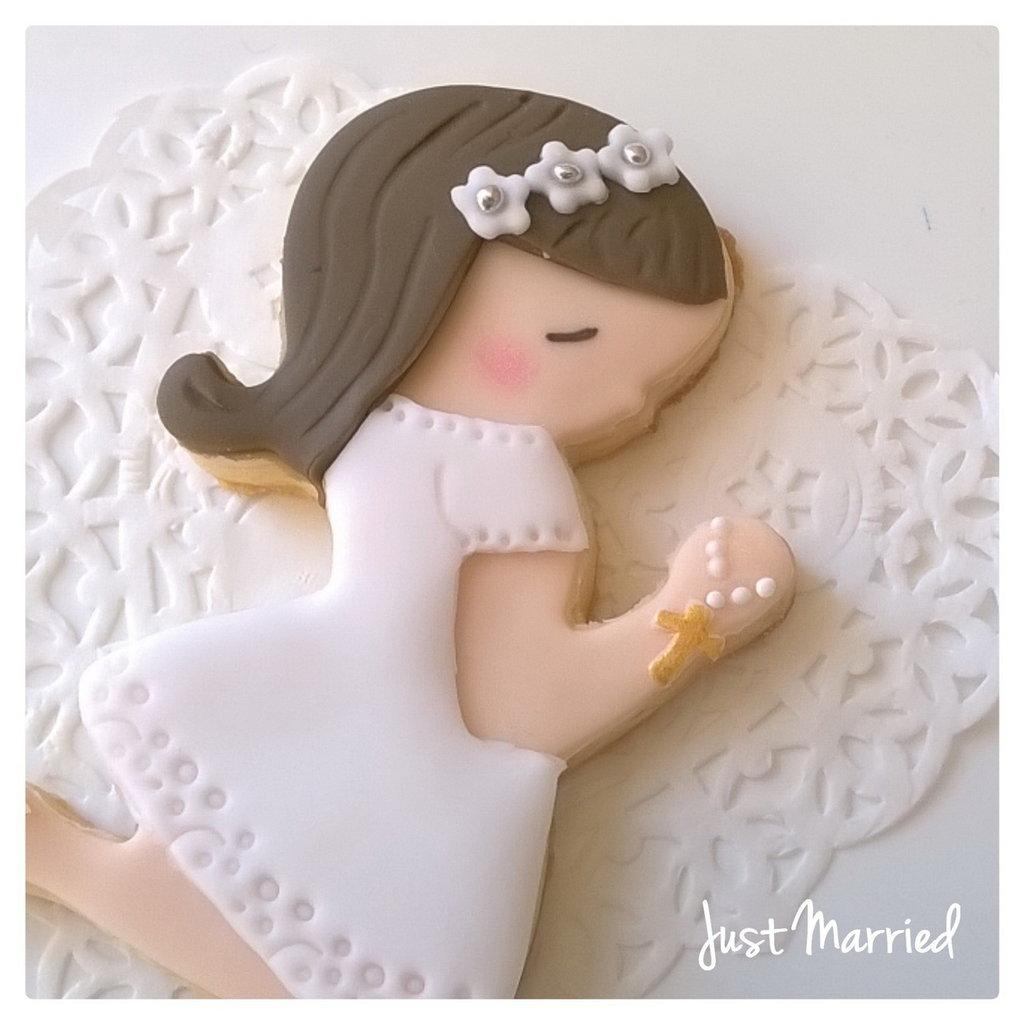 biscotto decorato, bambina che prega, prima comunione,segnaposto,ricordino per la prima comunione