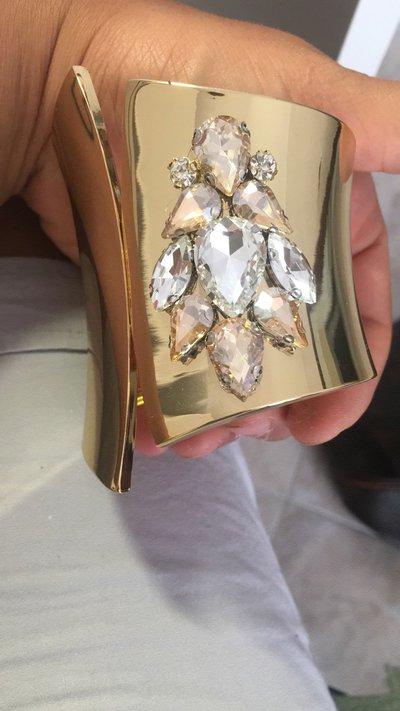 Bracciale ed orecchini con pietre