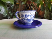 Tazzina da caffè con piattino in ceramica dipinta a mano. Le ceramiche di Ketty Messina.