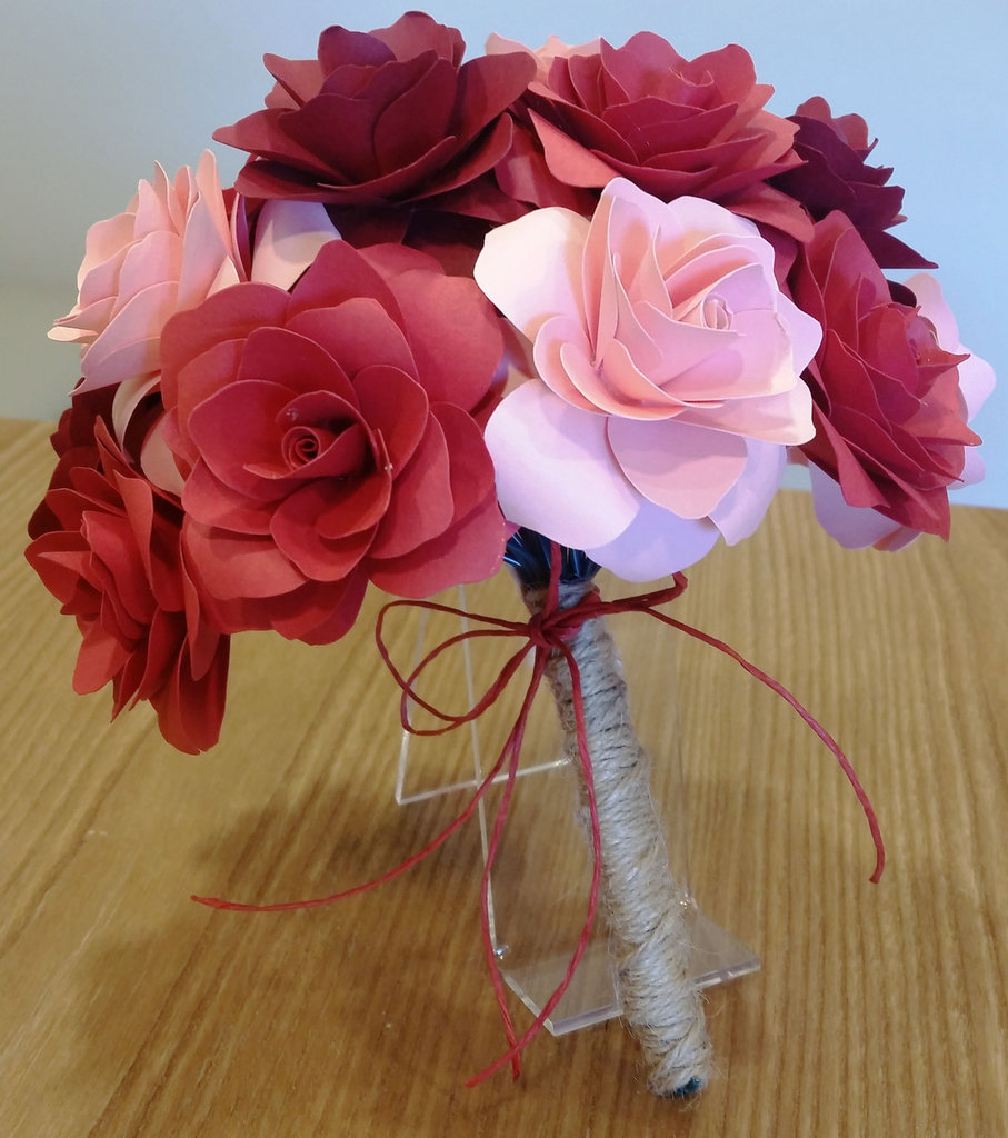 Bouquet rose carta Rosse e Rosa