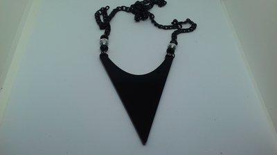 collana plexiglass nero stile africano