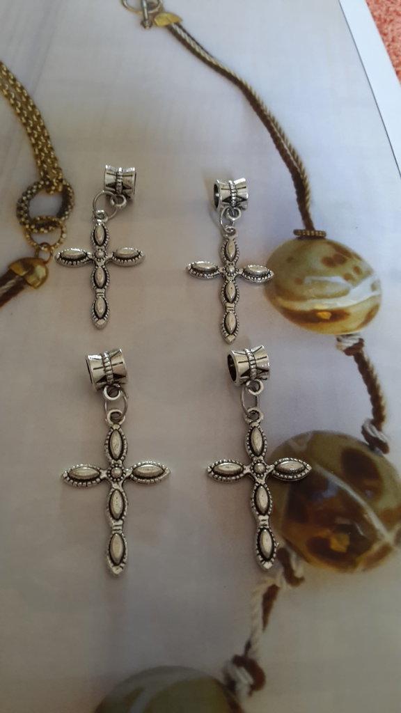 4 CHARMS CIONDOLI CROCE con passante in argento tibetano