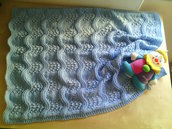 coperta in lana neonato fatta a mano per culla su ordinazione colori a scelta rosa, celeste, bianco  o panna- regalo nascita