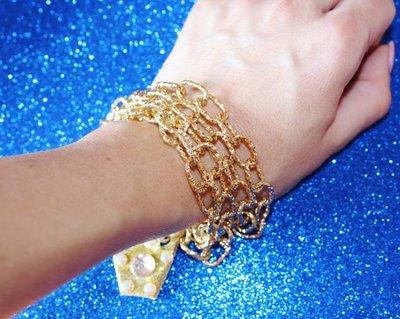 bracciale color oro fatto a mano