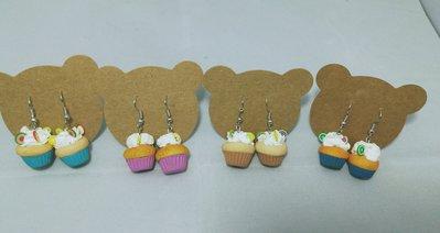 Orecchini in fimo con cupcake colorati